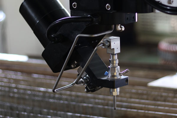 Demonstration of OAB 5-axis cutting head 2