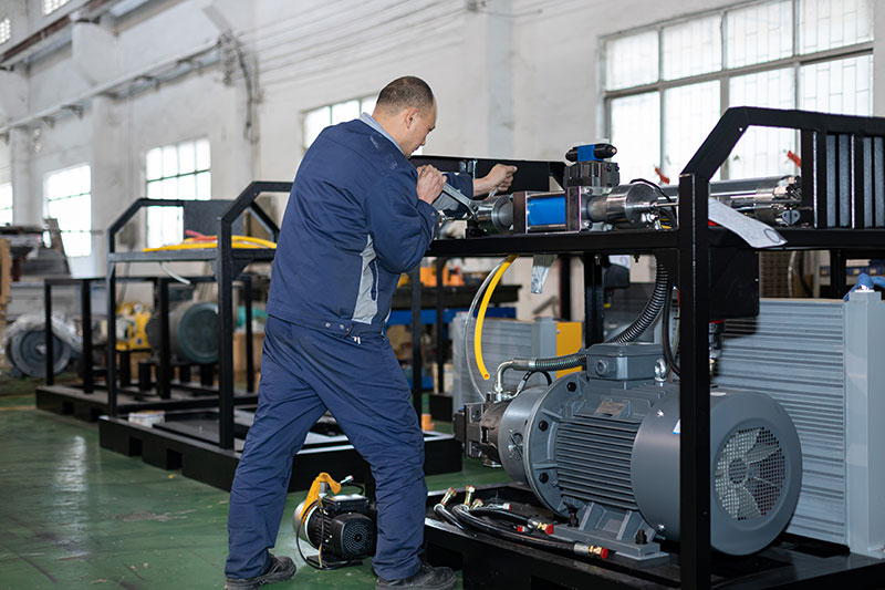 SAME waterjet technicians are producing machines(2)