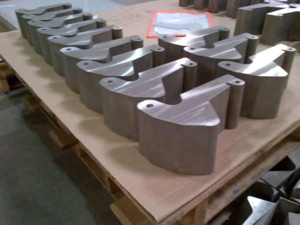 Samples of waterjet cutting titanium (4)